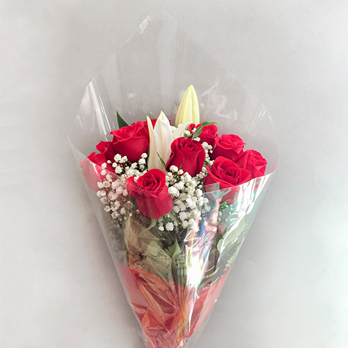 PRETTY RED ROSES WITH LILY